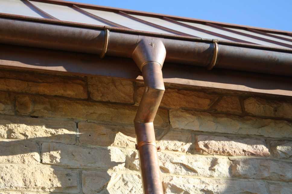 Canali di gronda pluviali e scossaline metalart for Come collegare pex pipe al rame